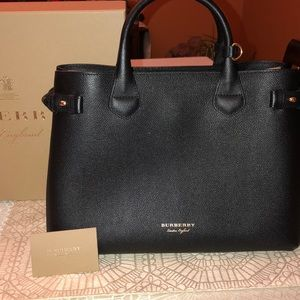 BURBERRY MEDIUM LEATHER BANNER TOTE- NWOT